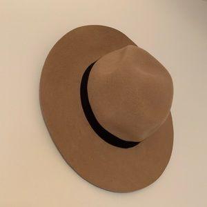 Aldo Brown Tan Black Hat Felt